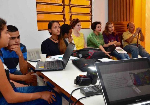 Empreende Juquitiba - Jovens na construção de Planos de Negócios
